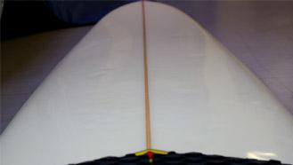 サーフボード:ストリンガー部の画像