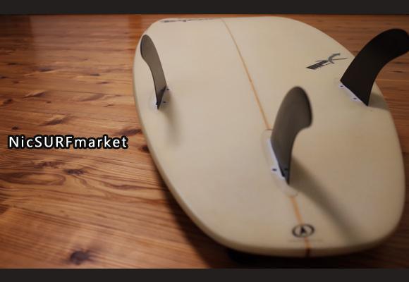 BYRNE 中古ショートボード 5`11 DINO EPS bottom-design 96291246