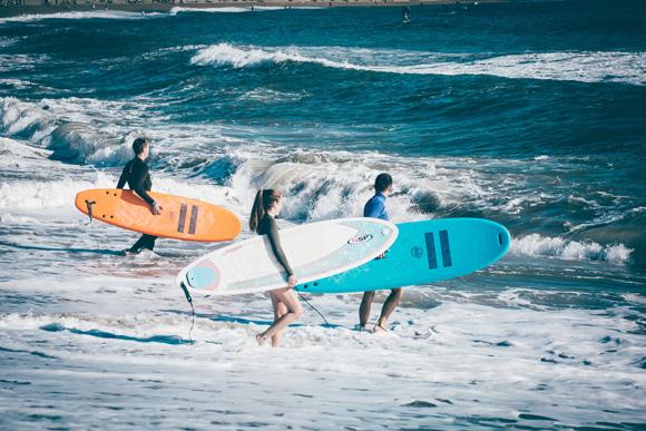 体重・サーフィンレベルからサーフボードの適正サイズ(浮力)を計算