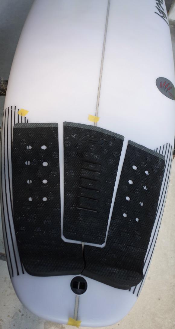 「仕入れ情報」STACEY ステイシー BLACK BEAR 6`0の中古サーフボード入荷 deck-condition